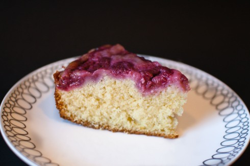 Upside Down Berry Buttermilk Cake from freshandfoodie.com @freshandfoodie