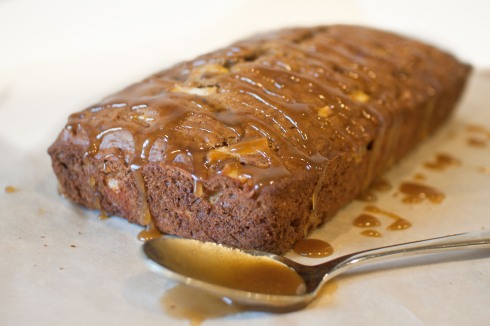 Caramel Apple Bread from freshandfoodie.com @freshandfoodie