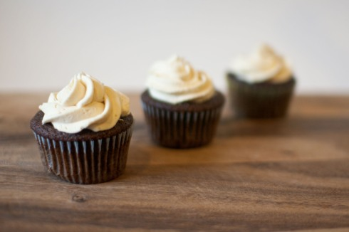 Imperial Stout Cupcakes with Salted Caramel Buttercream from freshandfoodie.com @freshandfoodie