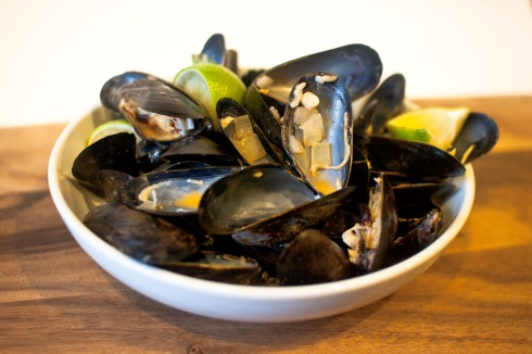 Coconut Curry Mussels with Coconut Brown Rice from freshandfoodie.com @freshandfoodie