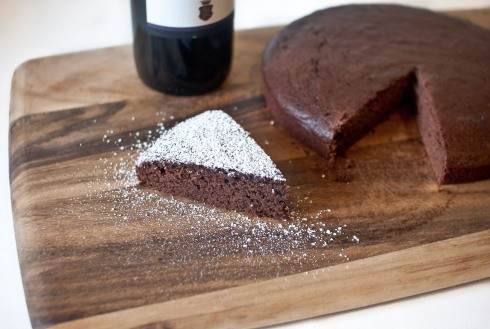 One Bowl Red Wine Chocolate Cake from freshandfoodie.com @freshandfoodie