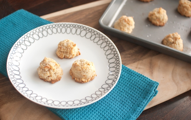 weeknight cookies #paleo #dairyfree #grainfree from freshandfoodie.com  @freshandfoodie